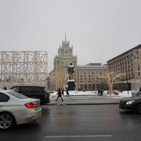 Триумфальная площадь, памятник В. Маяковскому