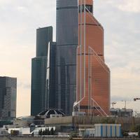 Башни Федерация и Меркурий Сити