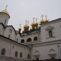 Собор Ризоположения и Теремные церкви