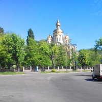 Черкаси.Виїзд з вулиці Громова,на Свято-Макарівську.Свято-Михайлівський собор.
