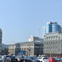Челябинск. На площади Революции.