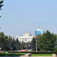 Челябинск. Сквер на площади Революции.