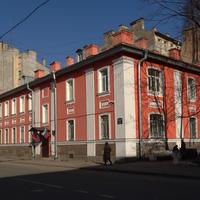 Улица Петрозаводская, 1