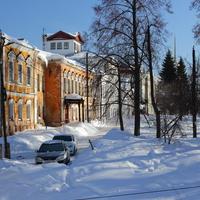 Старые дома на площади Ленина (бывшая Спасская).