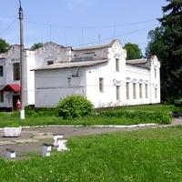 Колишня синагога (XIX століття), зараз будинок дитячої та юнацької творчості.