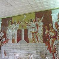 В метро Спортивная