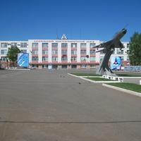Площадь перед Сарапульским ЭГЗ