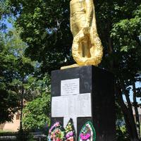 Крапивное. Братская могила советских воинов.