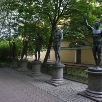 Каменноостровский проспект.В парке.