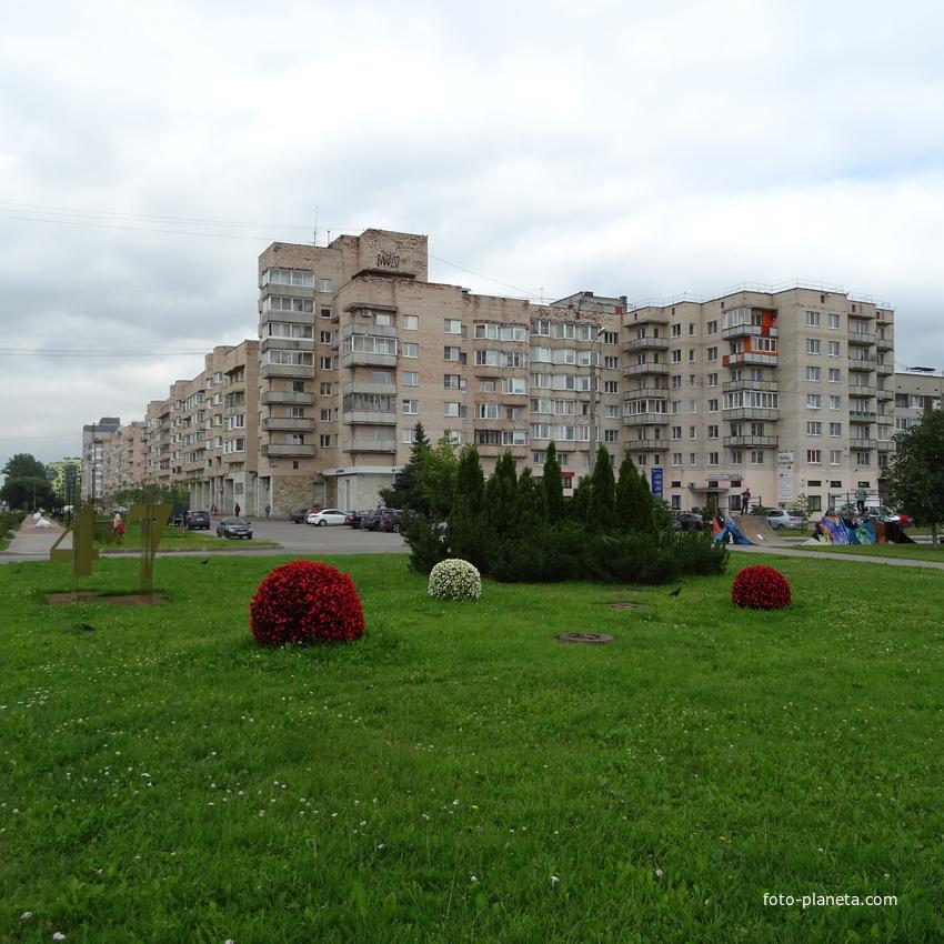 В сквере на ул. Рощинская