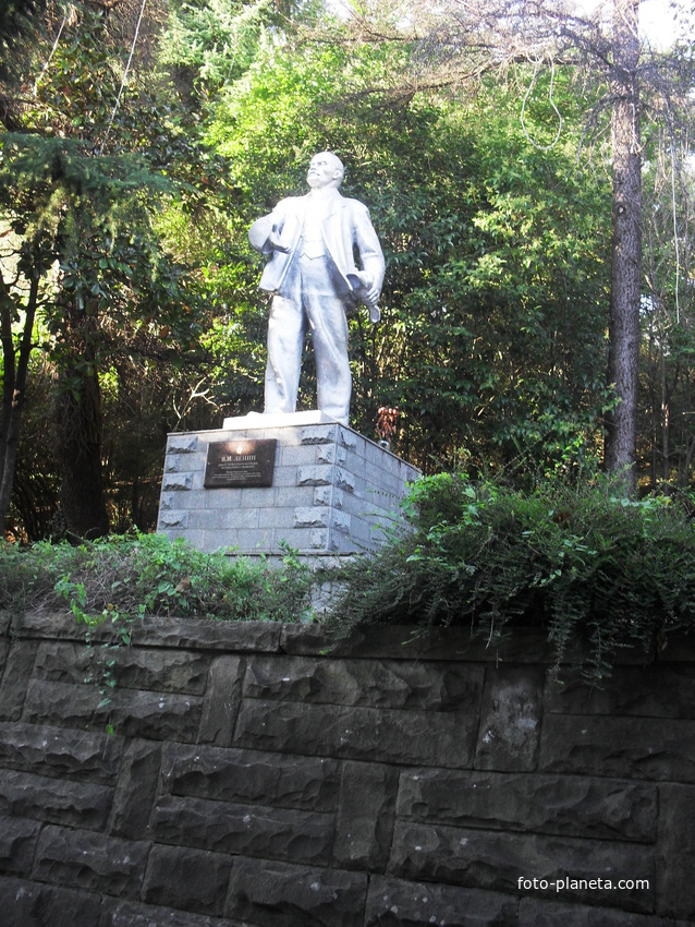 памятник В.И.Ленину | Лазаревское (Сочи)