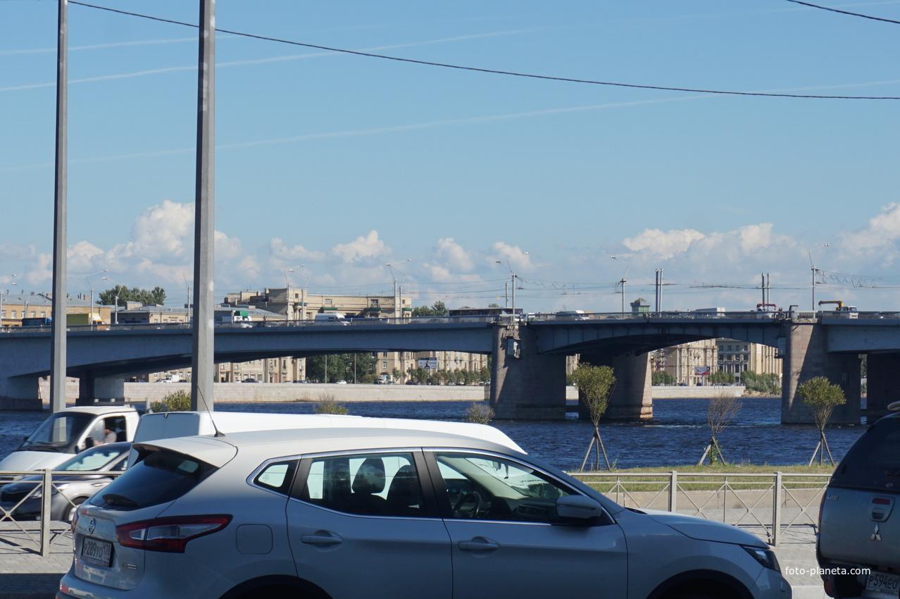 Мост Александра Невского.