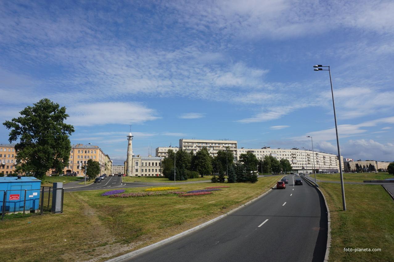 Большеохтинский проспект.