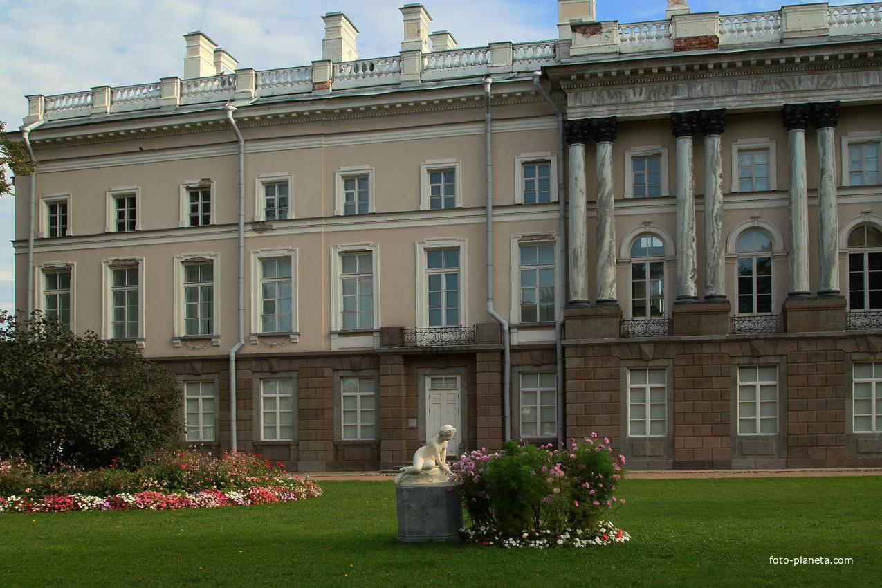 Зубовский флигель Екатерининского дворца