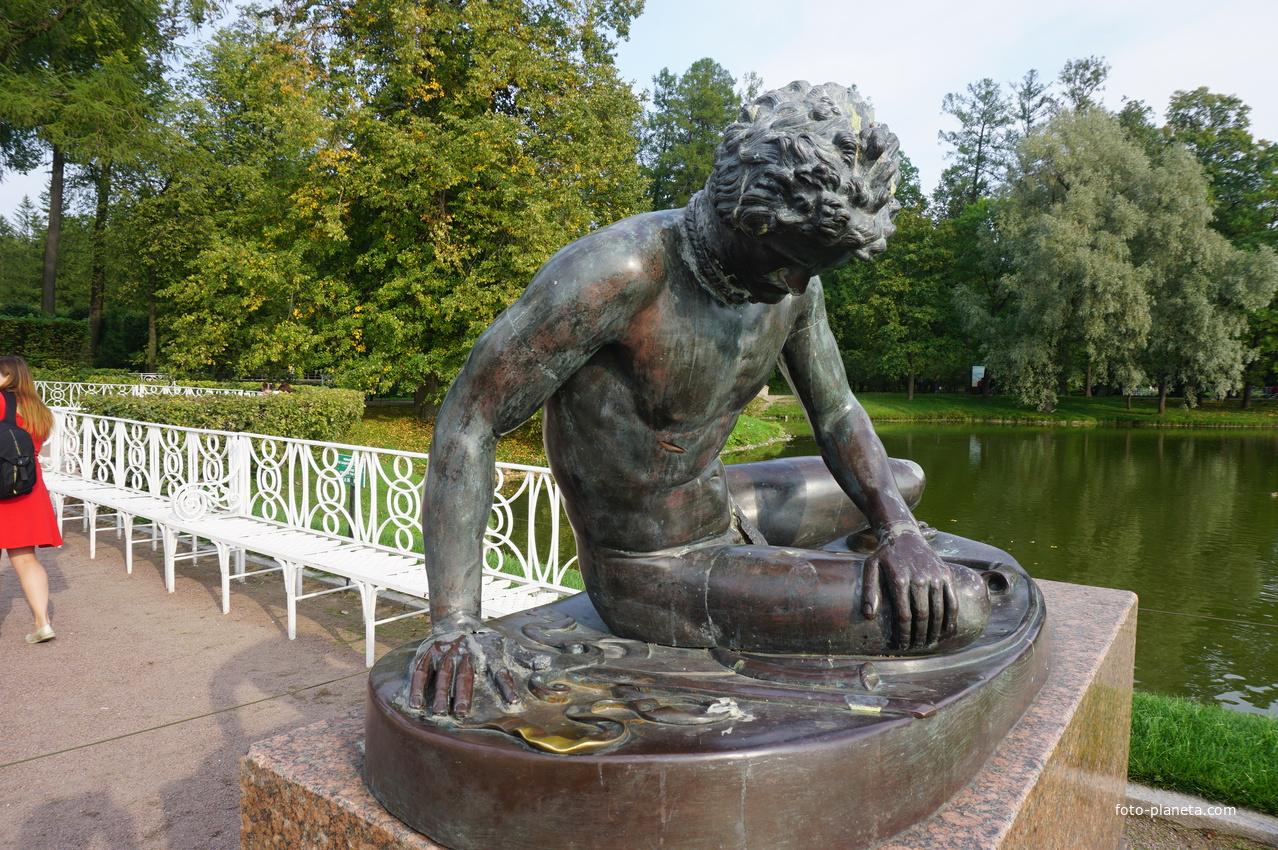 В Екатерининском парке.Скульптура.