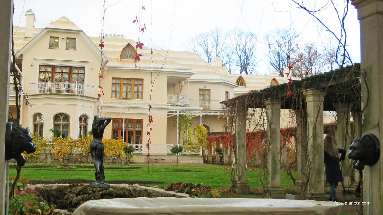 Петергоф. Фермерский дворец