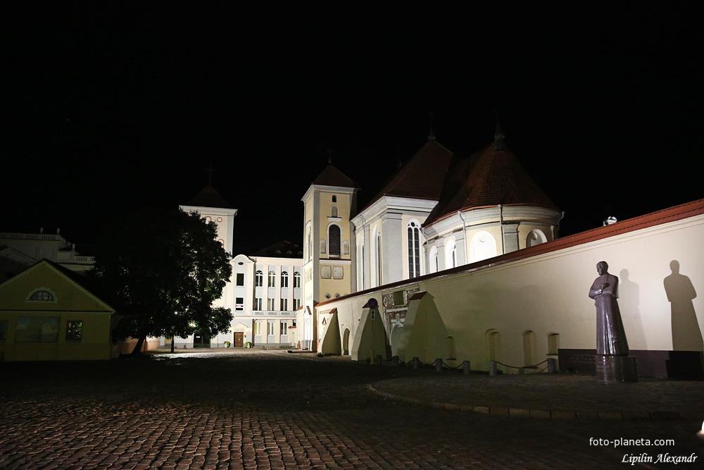 Костел Святой Троицы при монастыре бернандинцев