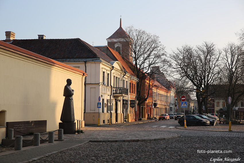 Городская улица
