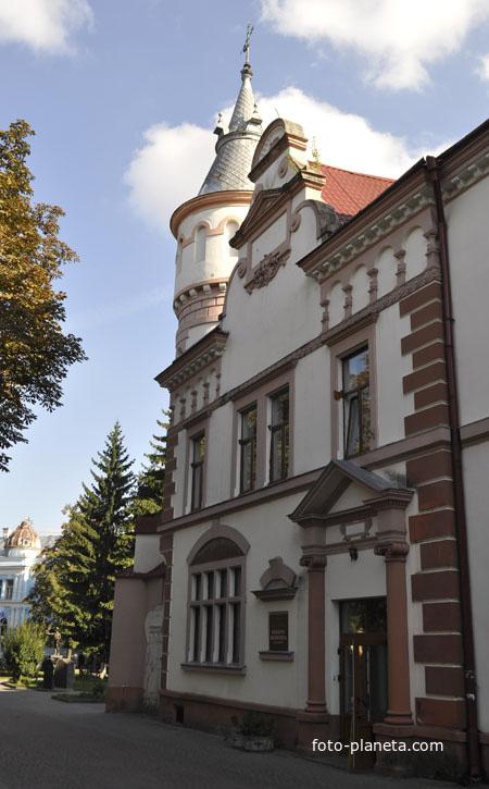 Здание десткой библиотеки