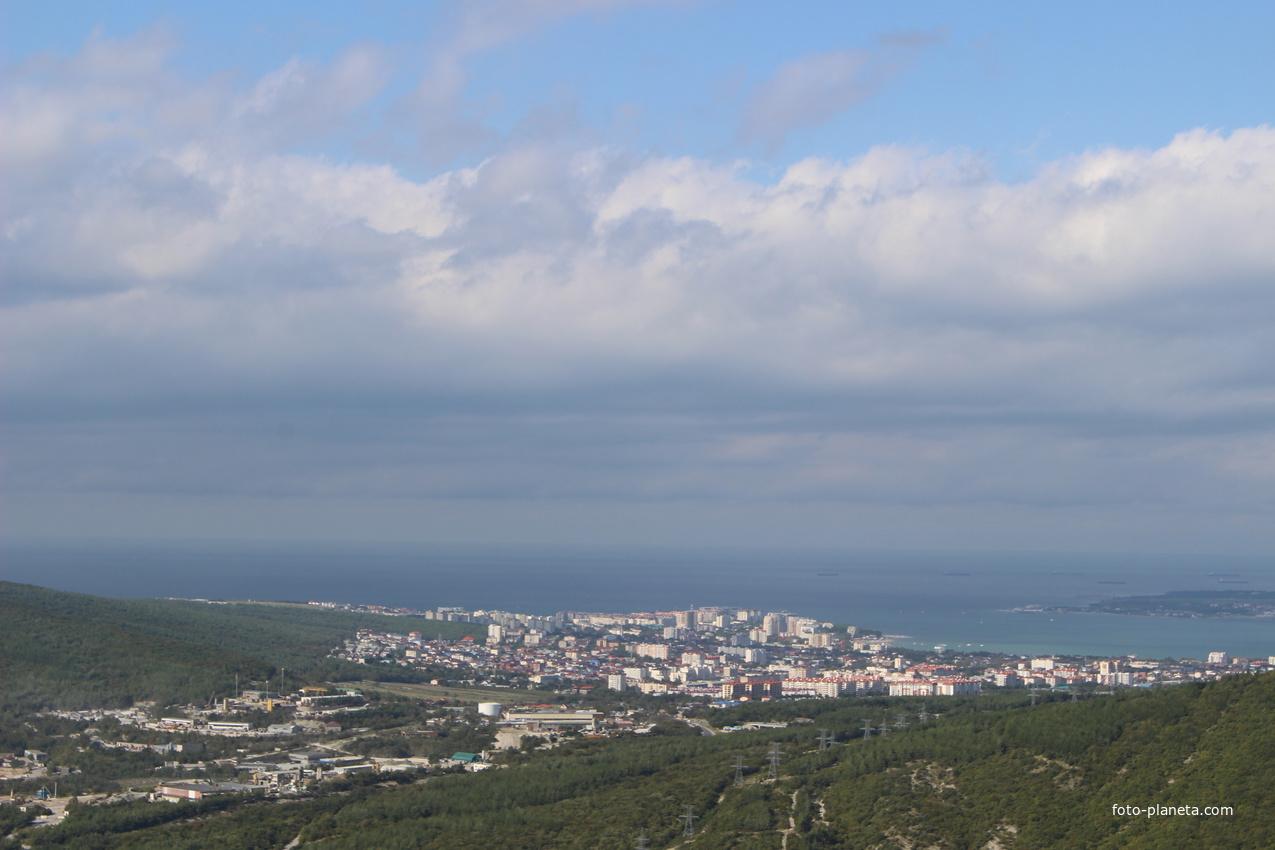 Вид на город с горы Нексис.