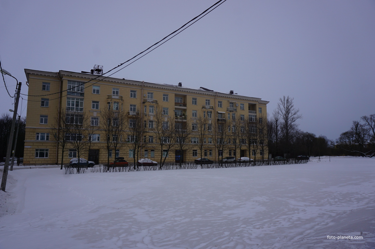 На Санкт Петербургском шоссе