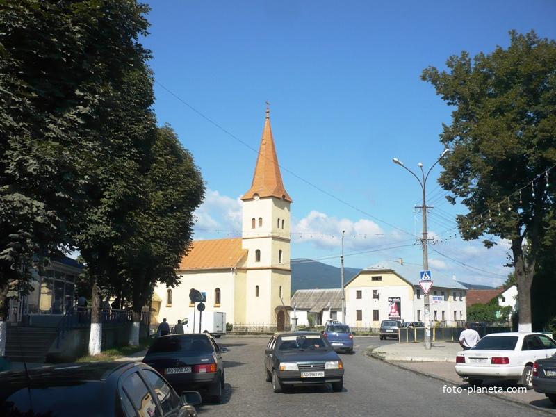 Католический храм Успения Пресвятой Девы Марии