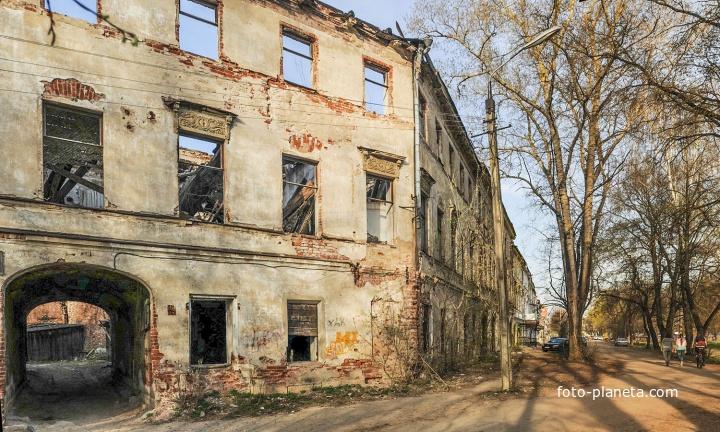 В конце улицы Ванчакова