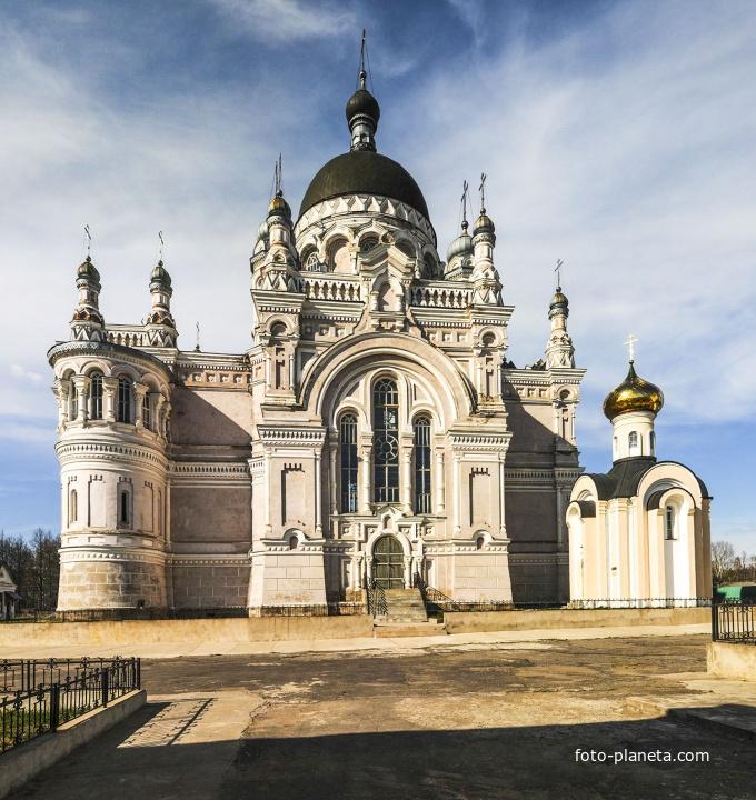 Храм Казанского женскогомонастыря