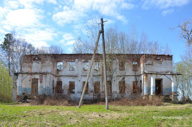 Большой Борок, руины усадьбы