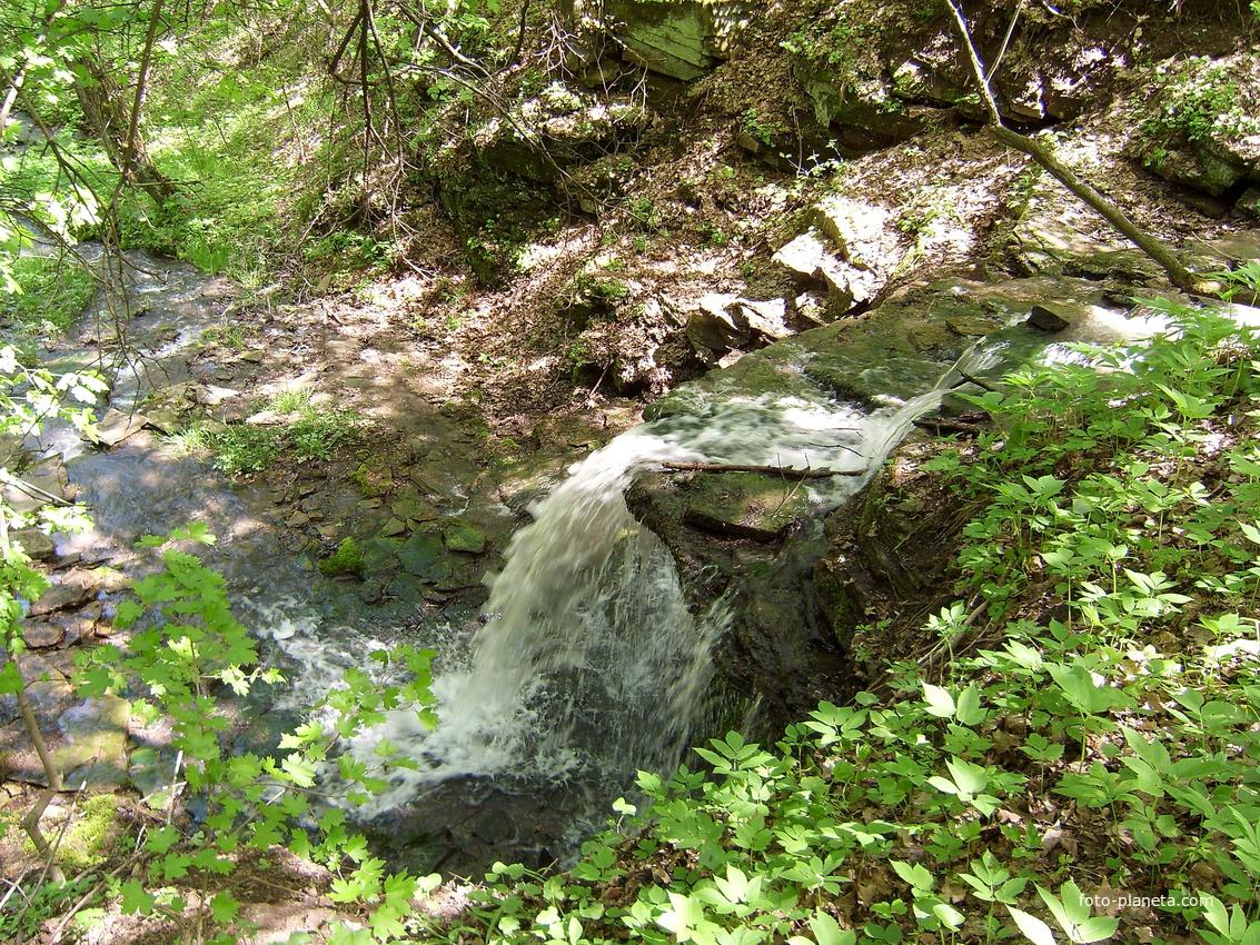 Водопад в балке у с. Городище.