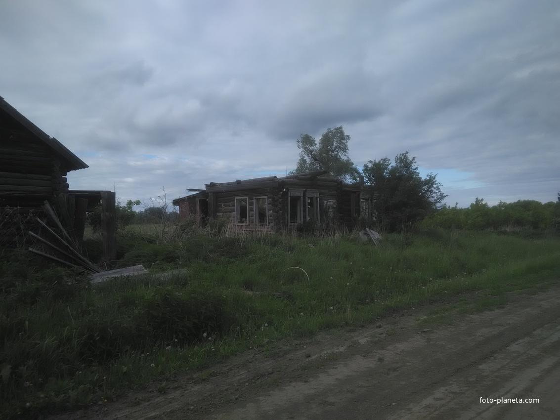 Старый брошенный дом