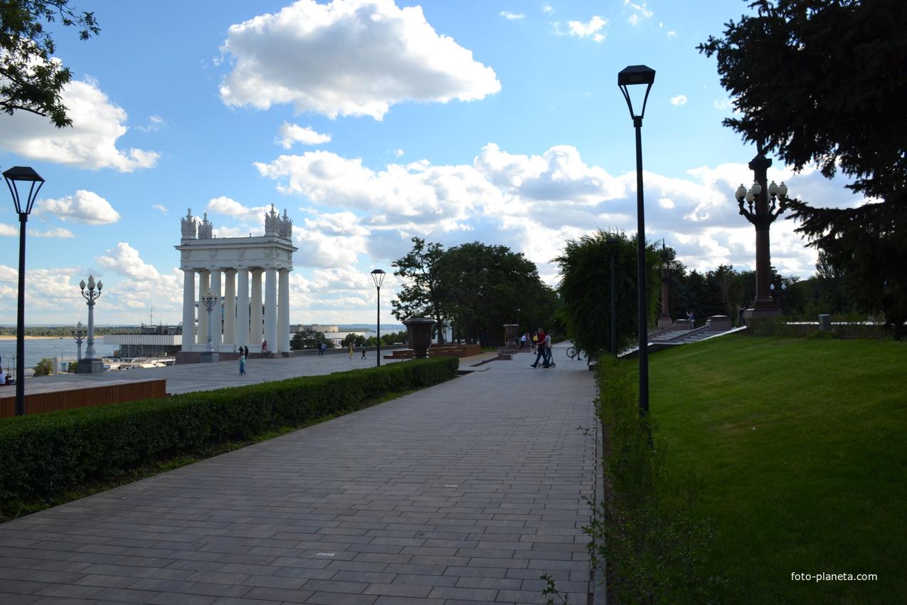 Набережная р Волга.