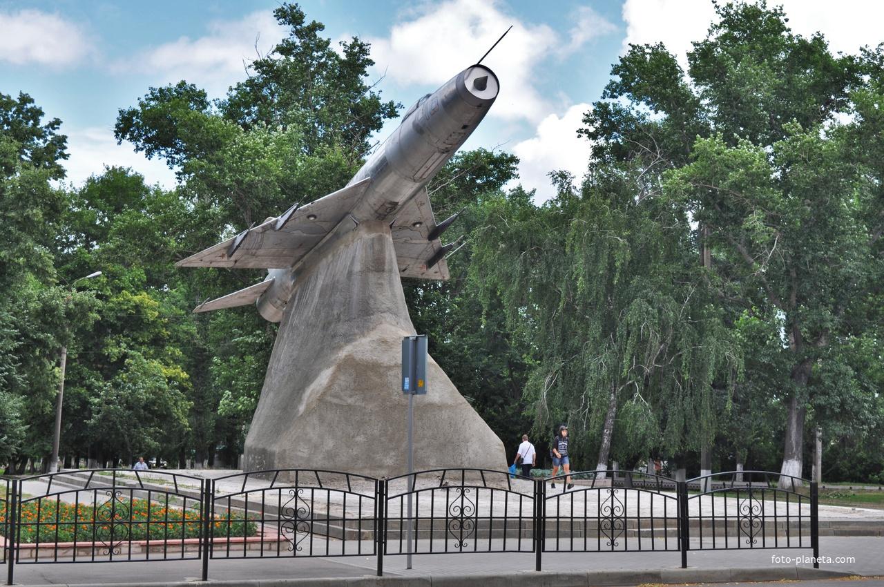 МИГ-1 в сквере имени Н.Н.Поликарпова. 2019.