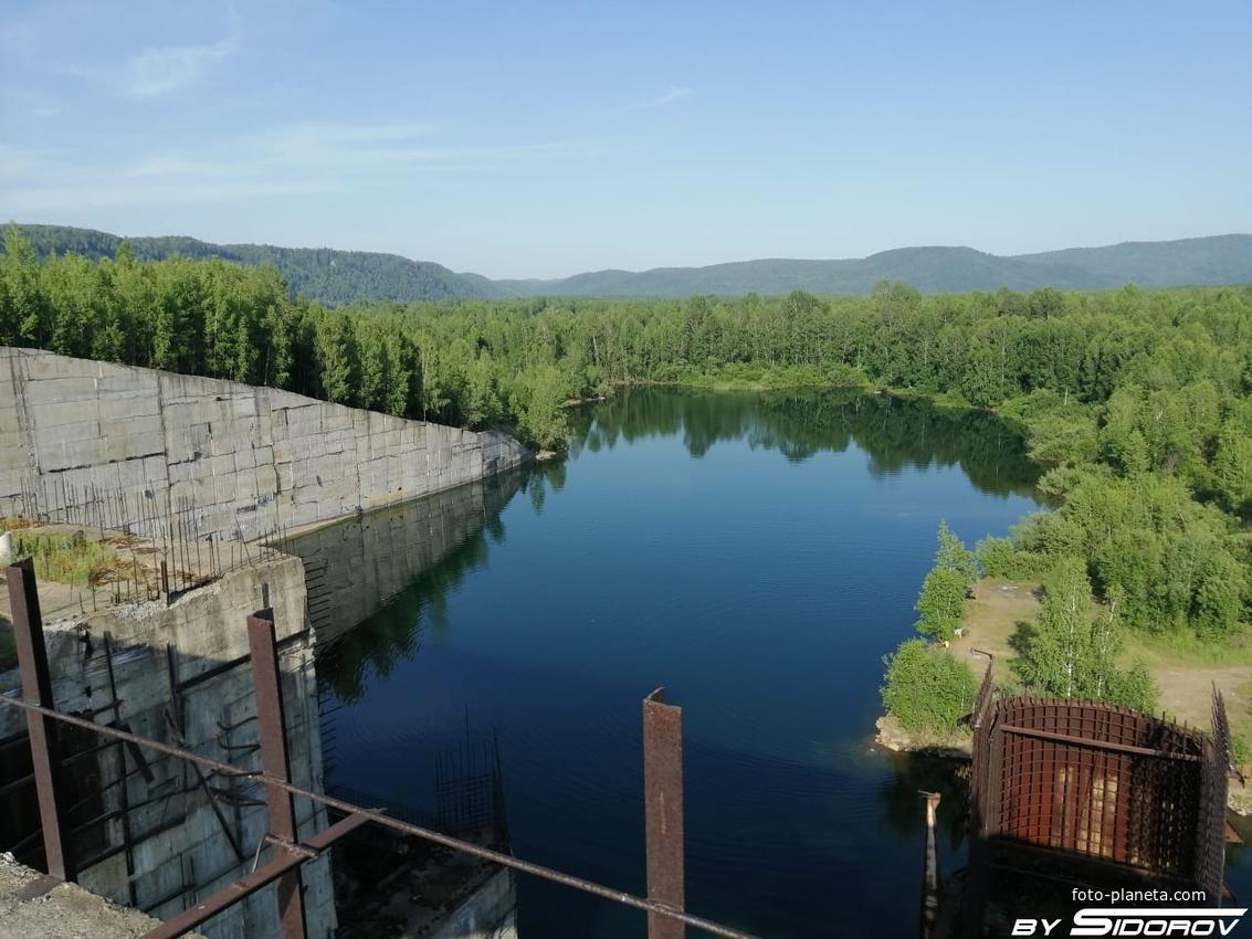 Плотина Крапивинской ГЭС