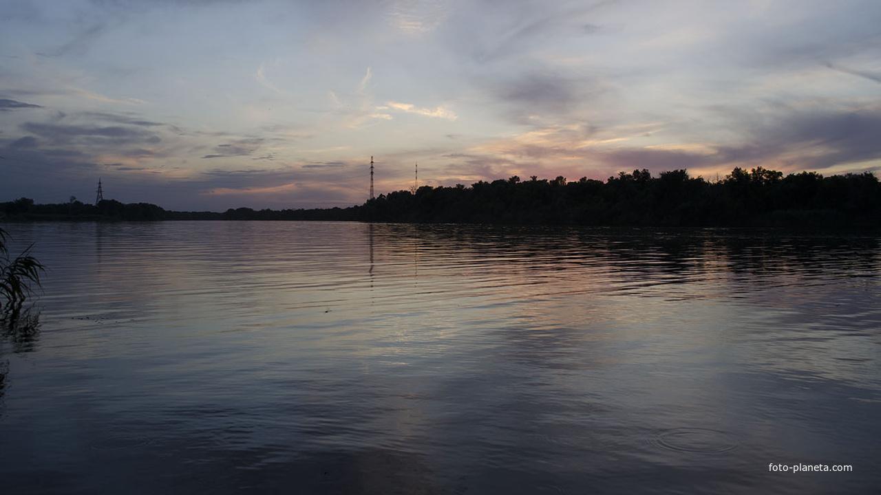 Вечернее небо над рекой Северский Донц 22 июня 2019г.