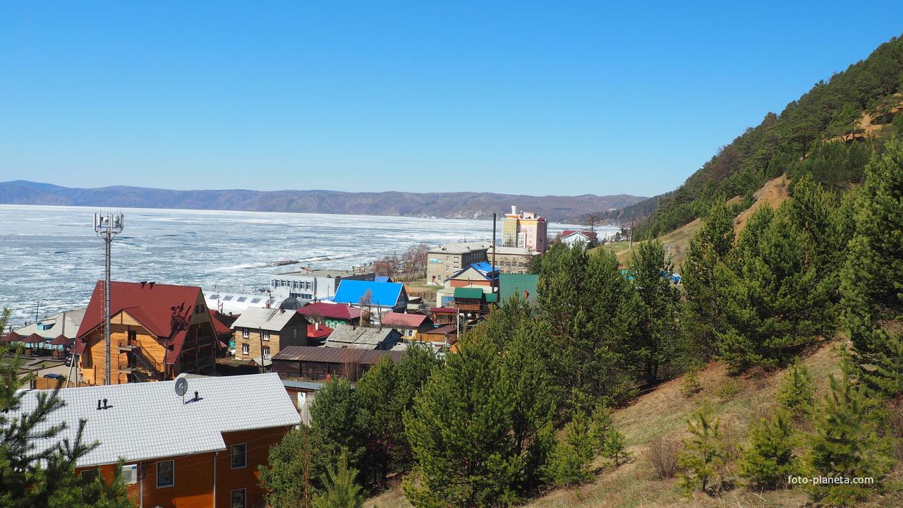 На берегу Байкала в Листвянке