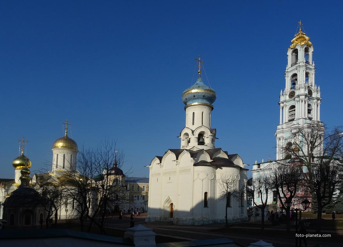 Свято-Троицкая Сергиева Лавра. Церковь Святого Духа и Колокольня.