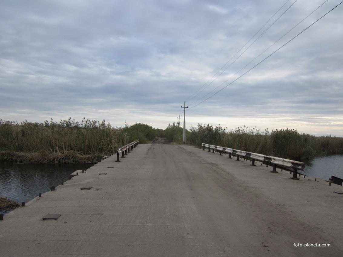 Мост через р. Елань.