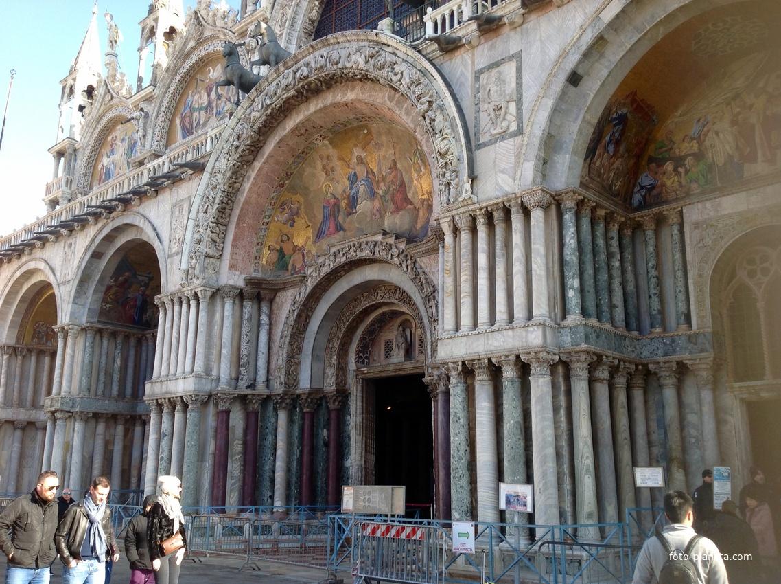 Piazza di San Marco, Santa Maria della Salute
