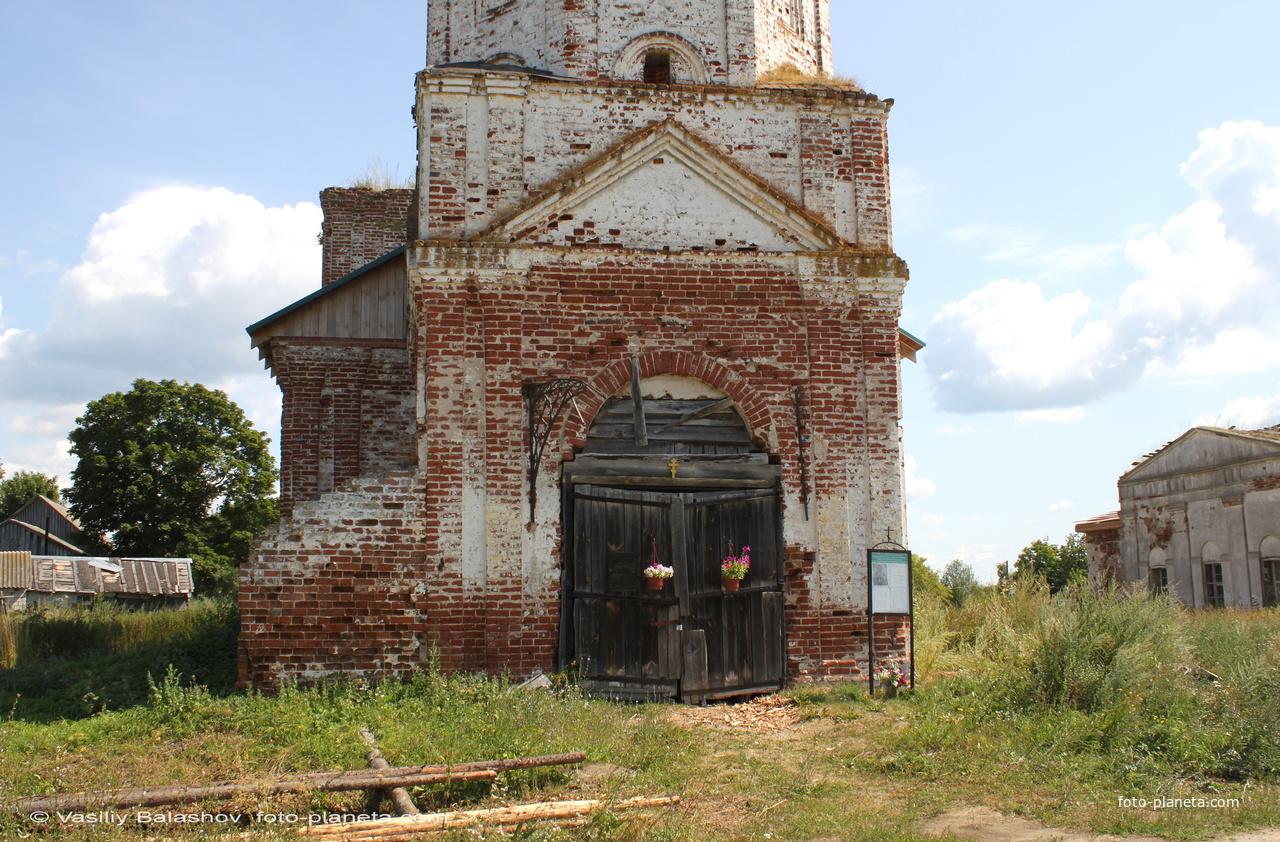 Колокольня  Никольской церкви в Большом Борисове