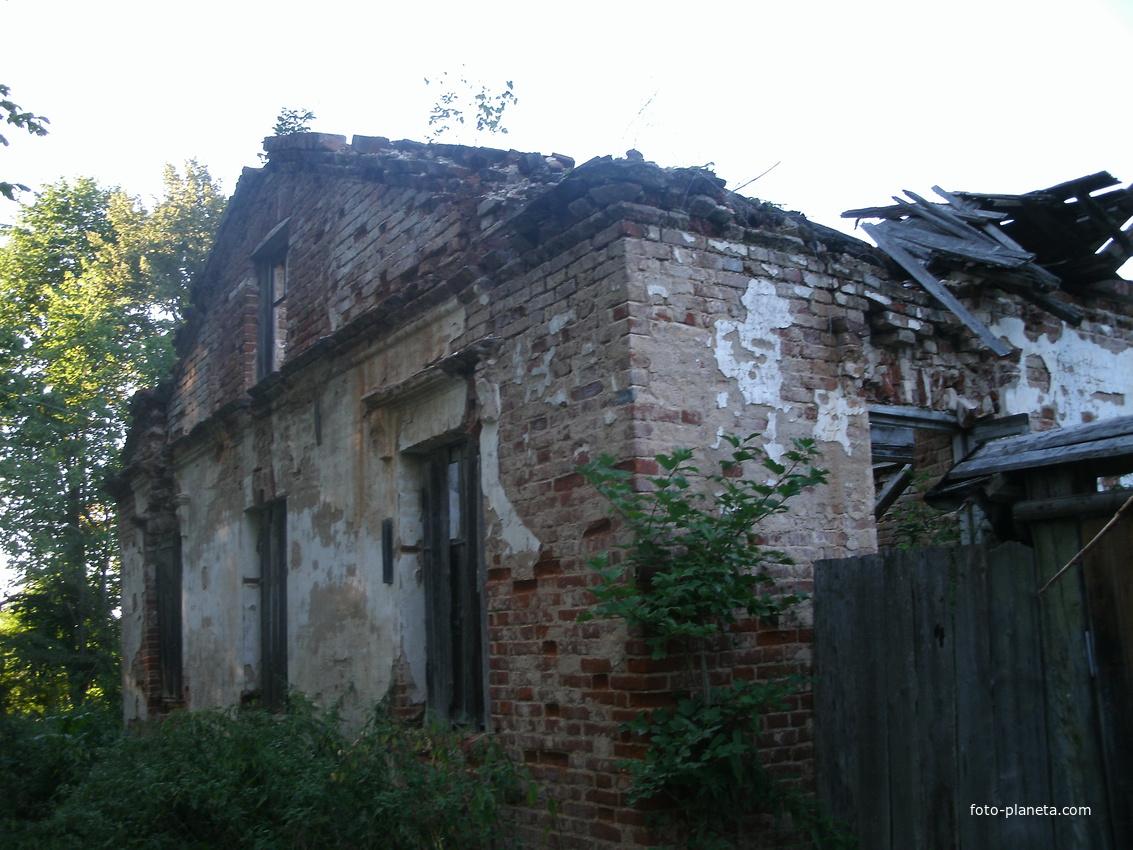 Развалины усадьбы Полторацких, Велеможье