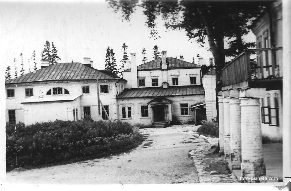 САВАЛИ. Здание сельхозтехникума 1961 год