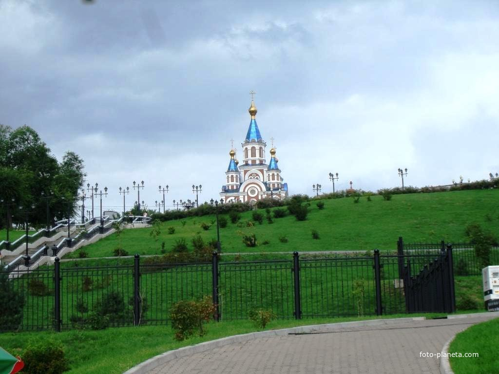 Успенский собор (с набережной)
