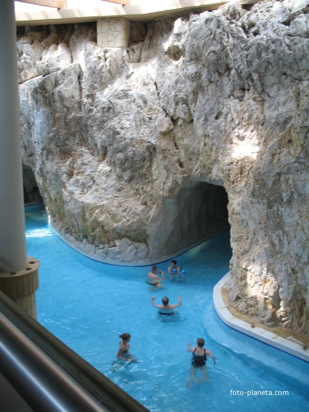 Купальни в пещерах