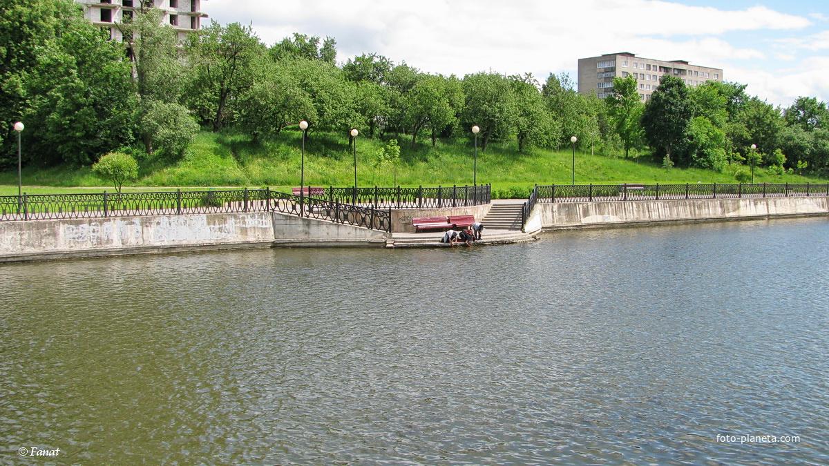 Набережная на р. Дубровенка
