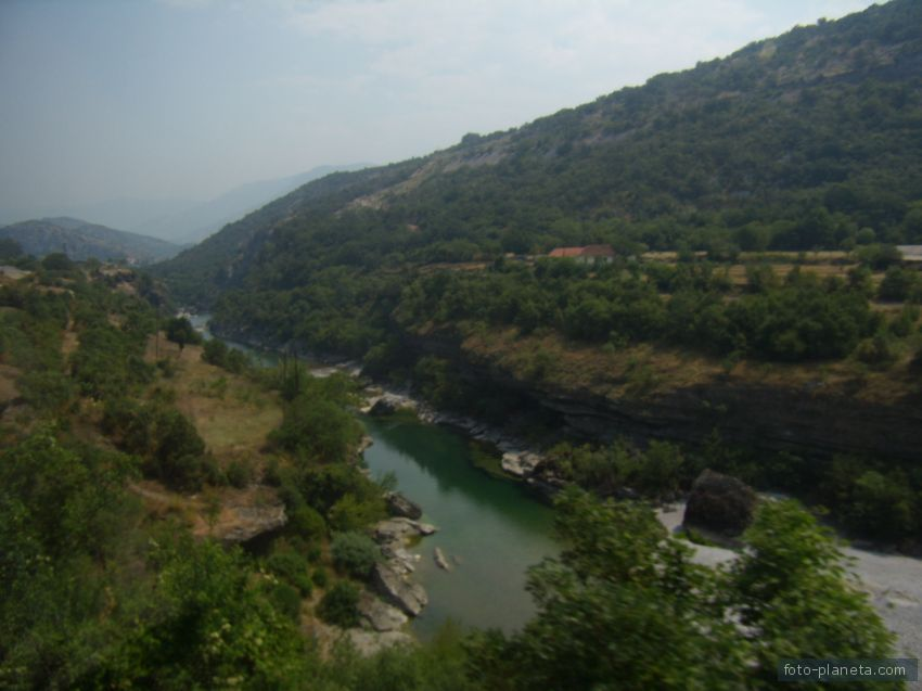 Монастырь Морача.  Каньон реки Морача.