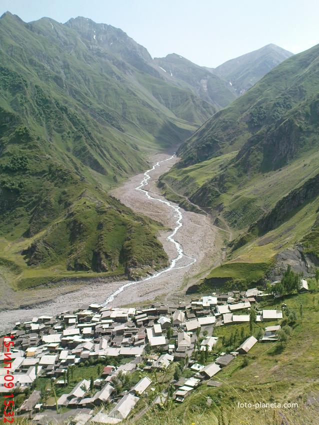 дорога на границу села Гдым