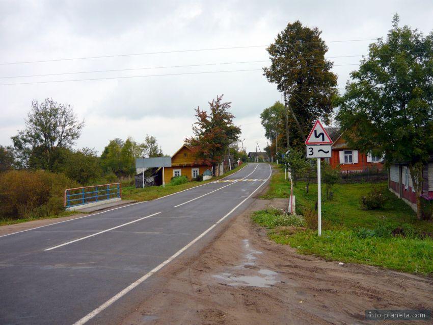 главная улица поселка | Новый Погост (Миорский район)