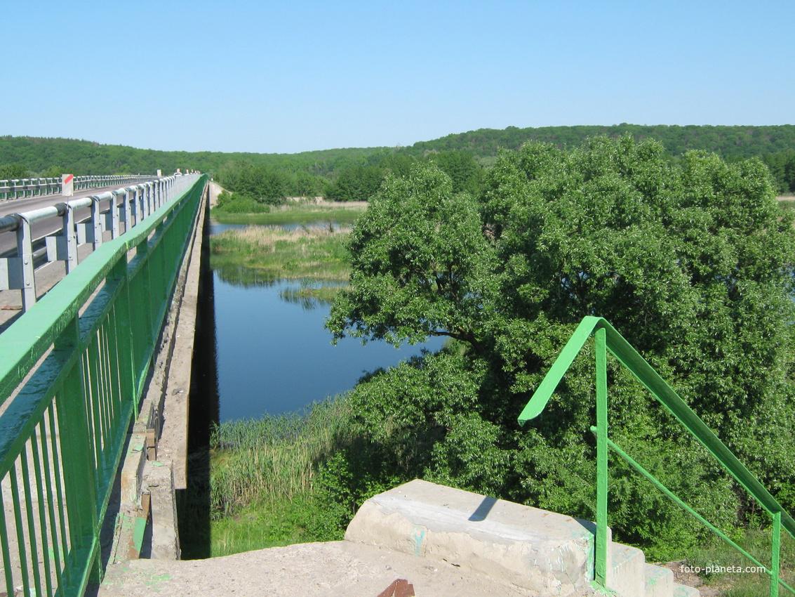 Мост по дороге в Чертовицы
