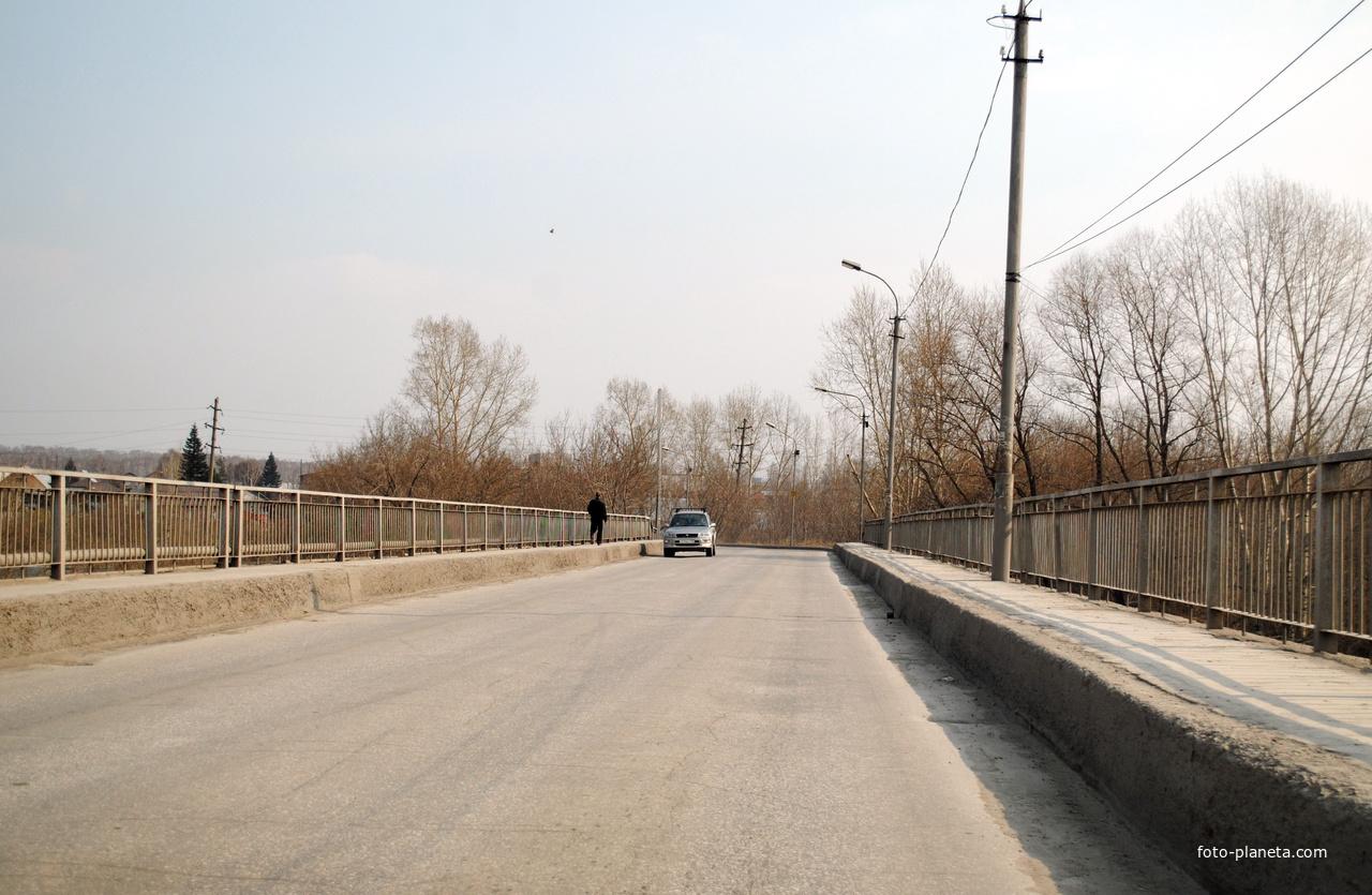 Мост через р.Иня.